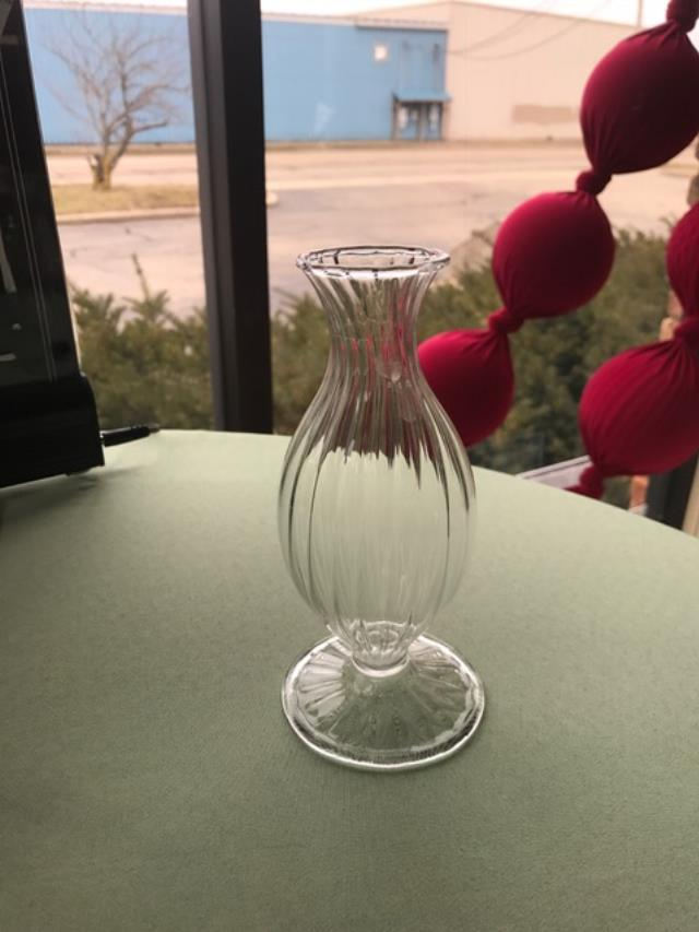 Where to find VASE, GLASS SPIRAL 6  BUD VASE in Kalamazoo