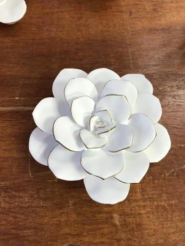 Where to find DECOR, WHITE GOLD FLOWERS in Kalamazoo